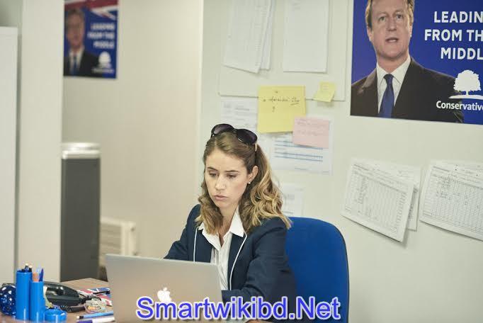 Actress Liz Kingsman Biography Wiki Bra Size Hot Photos