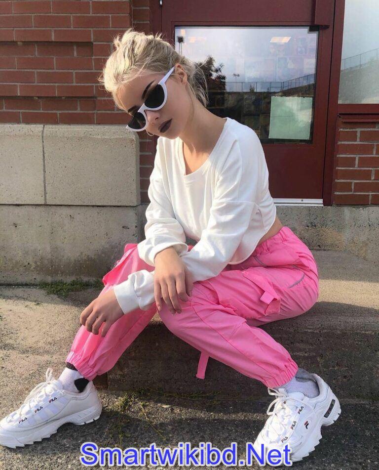 Youtuber Lauren Burch Biography Wiki Bra Size Hot Photos