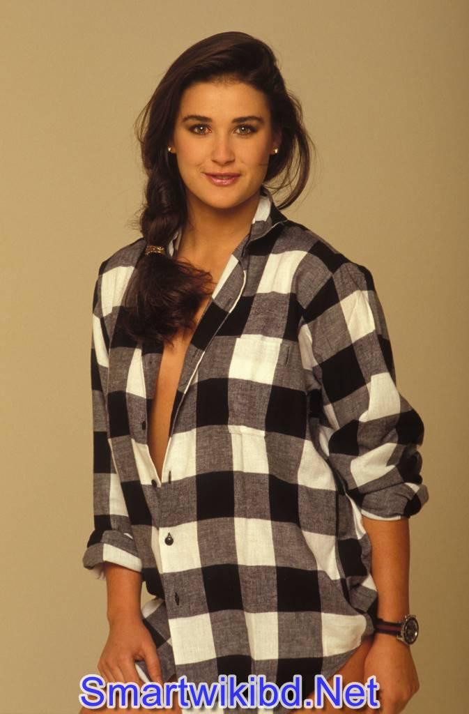 Actress Demi Moore Biography Wiki Bra Size Hot Photos 2021 2022 14 Smartwikibd.Net