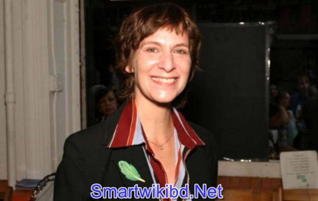Actress Amanda Plummer Biography Wiki Bra Size Hot Photos
