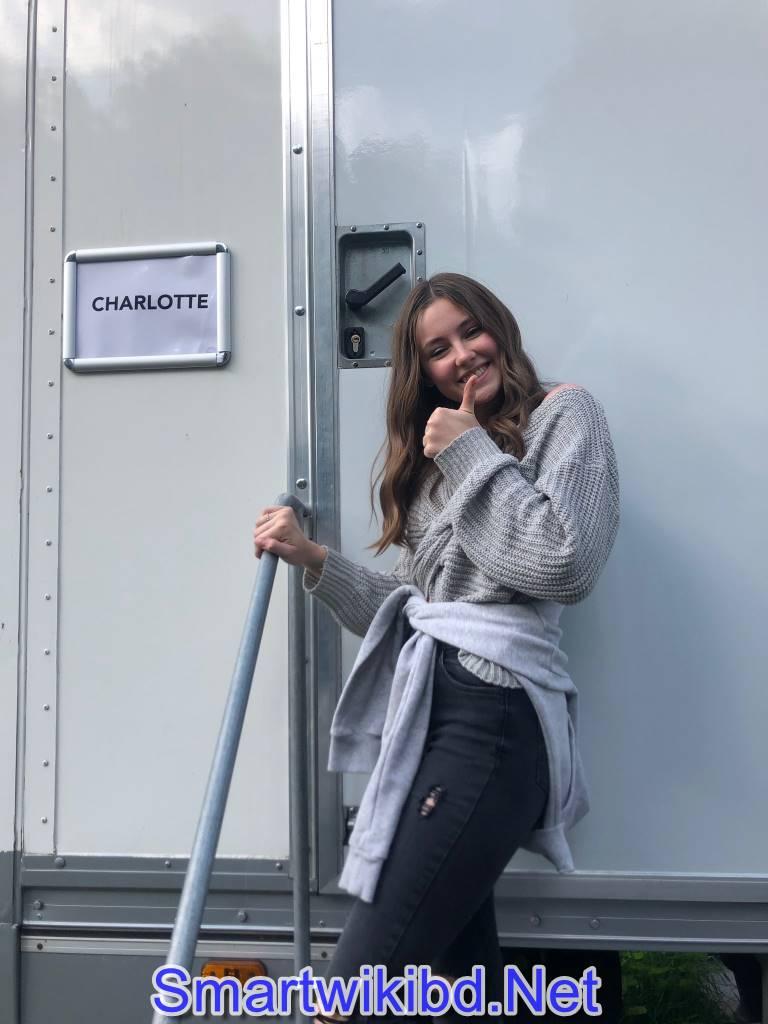 Actress Amelia Crouch Biography Wiki Bra Size Hot Photos 2021-2022