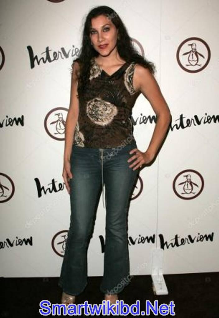 Actress Bonnie Mercado Biography Wiki Bra Size Hot Photos 2021
