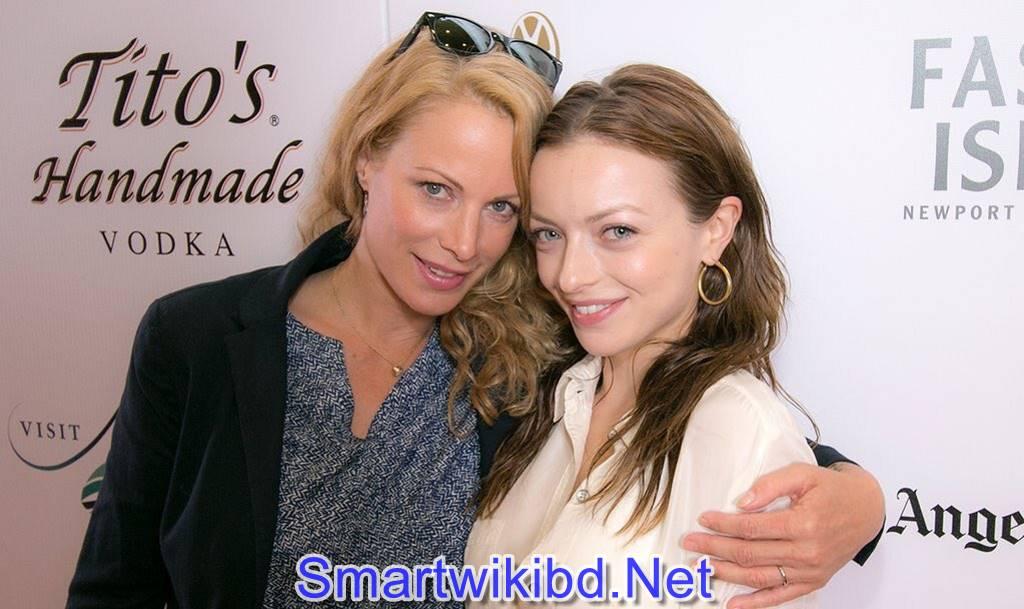 Actress Francesca Eastwood Biography Wiki Bra Size Hot Photos 2021