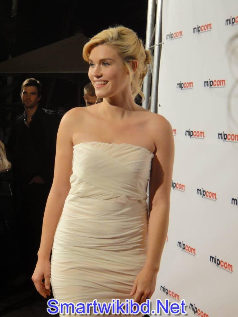 Actress Emily Rosei Biography Wiki Bra Size Hot Photos 2021