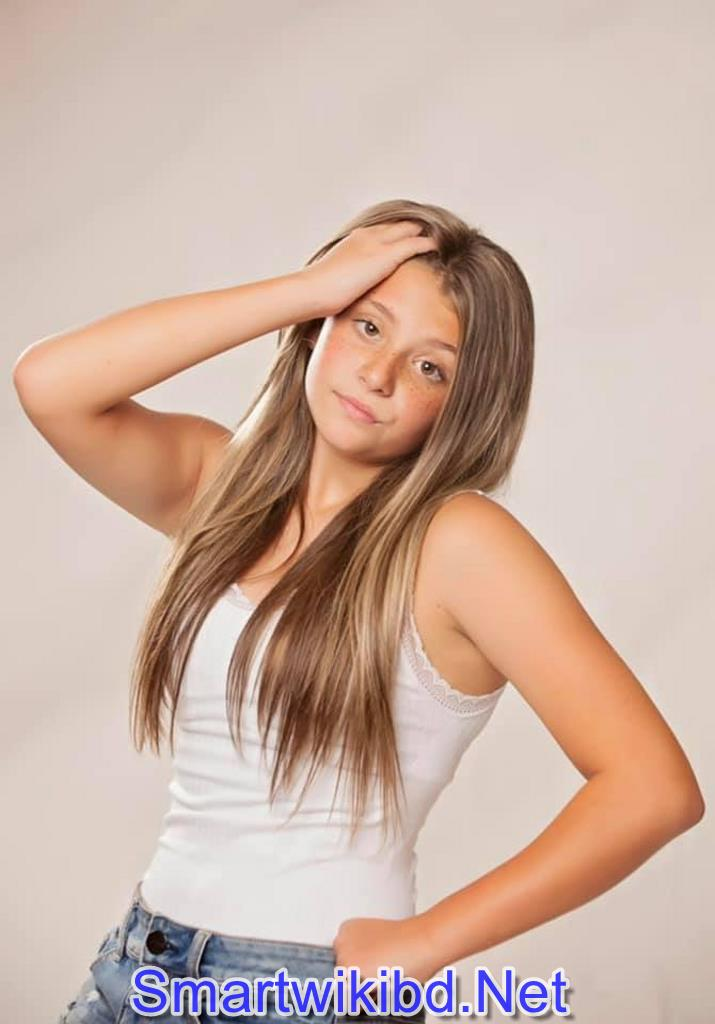 Actress Victoria Paige Watkins Biography Wiki Bra Size Hot Photos 2021