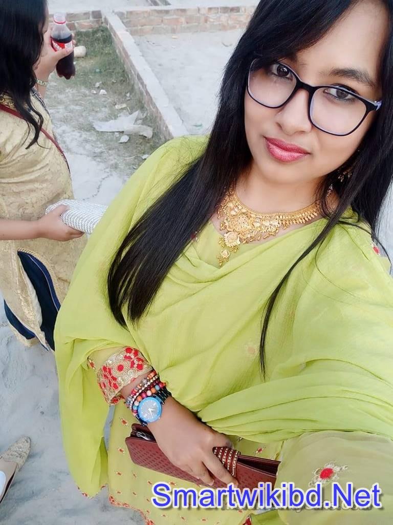 Indian Teacher Donal Bisht Big Boobs Nude Selfies Sent BF Celebrate Durga Puja 2021
