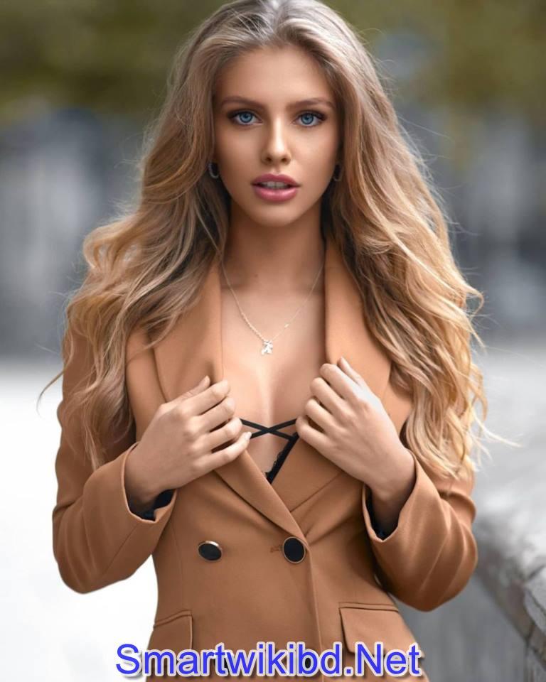Instagram Star Alexa Breit Biography Wiki Bra Size Hot Photos 2021