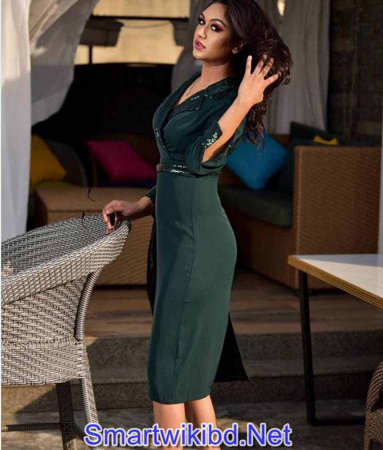 Instagram Star Munmun Dhamecha Biography Wiki Bra Size Hot Photos 2021