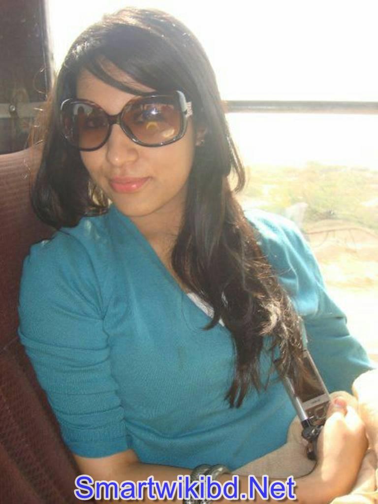 Pakistani NRI Doctor Girl Iqra Aziz Nude Sex Leaked Scandal 2021 Photos